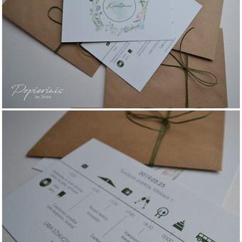 Kvietimas. Trys dalys - teksto kortelė, vokas ir raištelis. Dydis - 110 x 160.