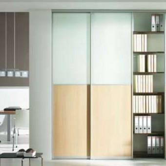 Slankios durys su matiniu stiklu, aliuminio sistema