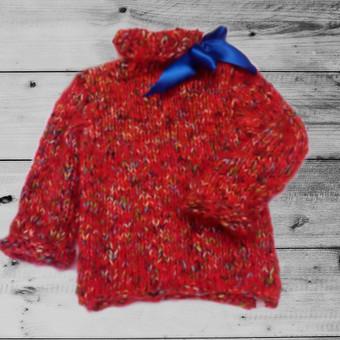 Raudonas storų siūlų su mohera megztinis mergaitei 5-6 metų.  Nekandus, minkštas, šiltas. Jau yra pardavimui 1 vnt. (visi galiniai tik po vieną ). Etsy parduotuvėje įsigysite su nuolaida