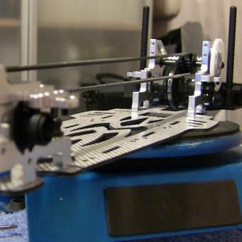 MST FS-01D driftui skirtos važiuoklės surinkimo darbai.