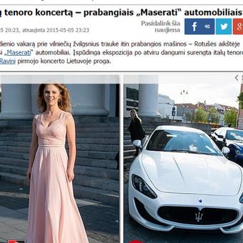 Italų klasikos koncerto metu prie Vilniaus rotušės buvo pristatyti du prabangūs italų Maserati. Po renginio vienas jų buvo parduotas. Klasika.