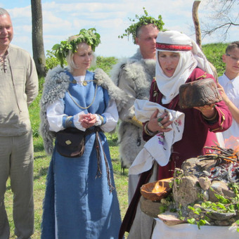Renginių ir lietuviškų apeigų vedėja, atlikėja Skalsa Daiva / UAB Kruenta / Darbų pavyzdys ID 606133