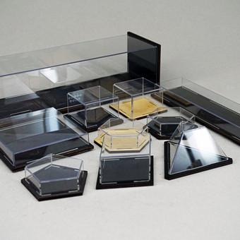 """Originalaus """"Daiktų cecho"""" dizaino dėžutės juvelyrikai, keramikai, kosmetikai ir kitiems produktams. Mediena + permatomas plastikas. Pagal jūsų išmatavimus, įvairių formų. Klauskite kainyno ..."""