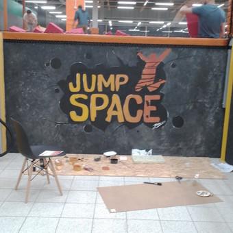 "Batutu parkas ""Jump space"" Kaune. Piešinys ant sienos 3m x 2m"