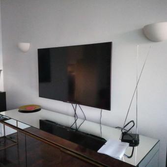 Televizoriaus pakabinimas.
