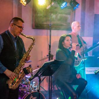 DUCKY DONE gyvos muzikos projektai: ne vestuvių muzikantai vestuvėms