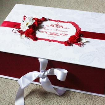 Dėžė vestuviniams sveikinimas.