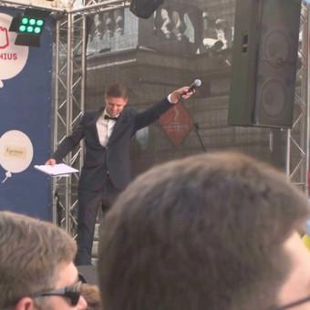 Renginių vedėjas Justinas Daugėla viename didžiausių Vilniaus vasaros renginių https://www.vilniuje.info/news/1727112