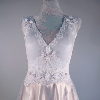Suknelė pagal Jūsų išmatavimus.