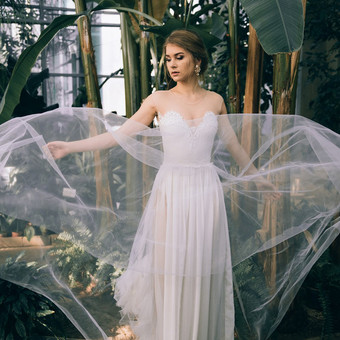 Vestuvinė suknelė, pagal Jūsų išmatavimus. Tiulio sijonas, puošta nėriniais.