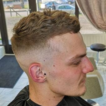 Vyrų kirpėjas - barzdaskutys / Arnoldas Stančikas / Darbų pavyzdys ID 653831