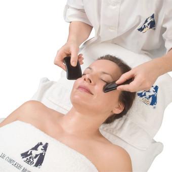 """LCB procedūros - nuo 35 Eur, LCbio procedūros veidui - nuo 45 Eur, """"Perle de vie"""" procedūra veidui - 60 Eur."""