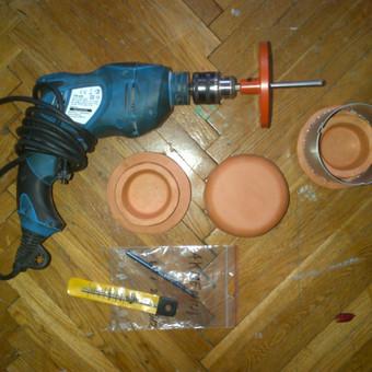 Revizinių kamčšių montavimas koklinėse krosnyse