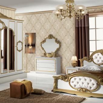 Nurodyta komplekto kaina.Lova 160/180,2 - naktiniai staliukai,komoda,veidrodis,spinta  4 durų arba 6 durų Spalva galima pasirinkti balta (bianco),juoda (nero) Kilmės šalis Italija