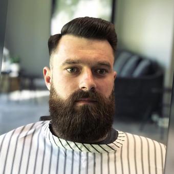 Vyriški kirpimai,barzdų modeliavimas,skutimas. / Loreta / Darbų pavyzdys ID 680977