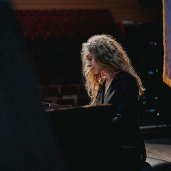 Pianistė Justė Kazakevičiūtė / Justė Kazakevičiūtė / Darbų pavyzdys ID 689195