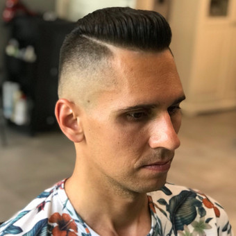 Vyriški kirpimai,barzdų modeliavimas,skutimas. / Loreta / Darbų pavyzdys ID 698409