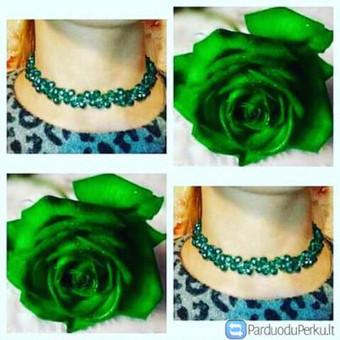 Puošnus kaklo papuošalas trumpas,iš kokybiškų brangesnių, kristalų karoliukų,gražios spalvos,žaliai mėlynos. Užsakymas