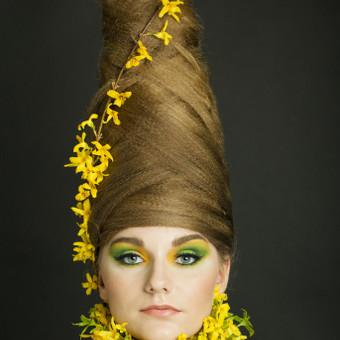 Teminei fotosesijai sukelti plaukai ir padarytas makiažas