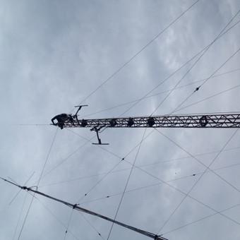 FM radijo bangų antenos montavimo darbai ant Spaudos Rūmų pastato