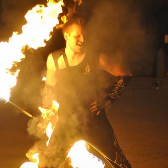 Ugnies šou. Pasirodymai su ugnimi / Ugnies Šokis / Darbų pavyzdys ID 95745