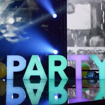 Lights&Letters šviesdėžės-raidės PARTY radijo stoties RADIOCENTRAS gimtadienyje Žalgirio arenoje.
