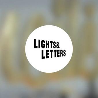 Lights&Letters raidžių fotosesijos akimirkos. Pamatykite raides ir lemputes iš arti!