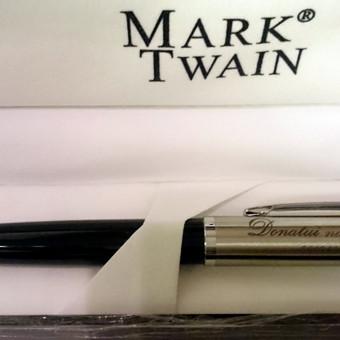 Graviruotas rašiklis.