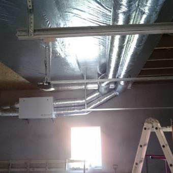 Gyvenamo namo rekuperacinė oro vėdinimo sistema.