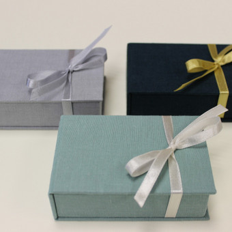 papuošalams arba usb saugoti skirta dėžutė 9x6,5x2,5cm