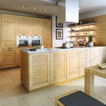Baldų kaina nuo 590,-eur , nurodyta orientacinė baldų kaina už bėginį metrą. Tiksli kaina skaičiuojama po projekto suderinimo.