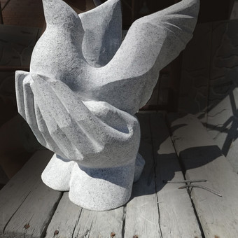 Antkapinė skulptūra, aukštis 50 cm, granitas.
