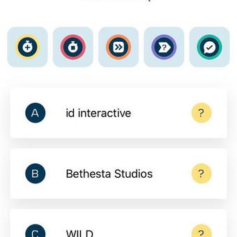 Klausimo langas su atsakymų variantais ir laimėjimų ikonomis.