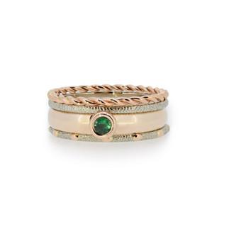 Aukso žiedų rinkinys su smaragdu