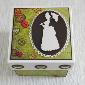 Sveikinimo dėžutė mamai. Puikiai tiks įdėti čekį ar kt. mielą smukkmenėlę.
