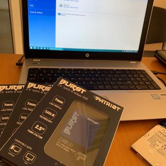 Įmonės kompiuterių spartinimas keičiant paprastus HDD į sparčius SSD.