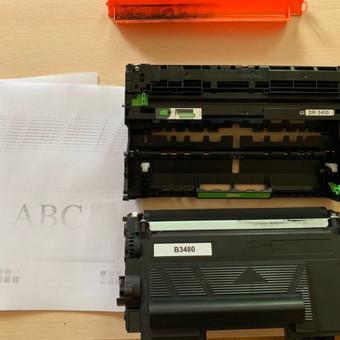 Pakeista spausdintuvo kasetė.