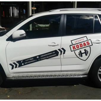 Reklaminis automobilių apklijavimas