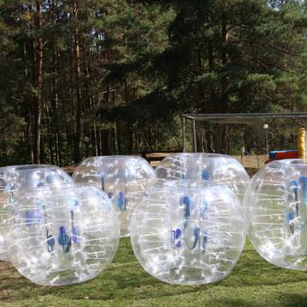 Bumbolas – tai aktyvus, linksmas, saugus komandinis žaidimas 8-10 žaidėjų (2 komandos po 4-5 žmones). Užsidėję burbulus žaidėjai žaidžia klasikinį futbulą. Burbulas užtikrina puikų  ...