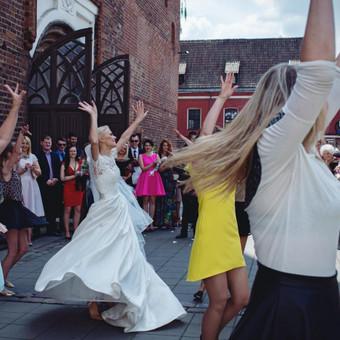 Šokiai, šokių pamokos / Inga Ališauskaitė / Darbų pavyzdys ID 137393