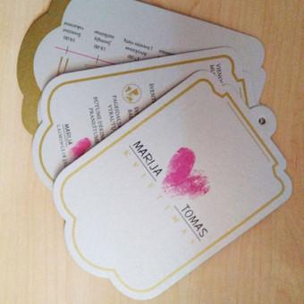 Kvietimų, atvirukų, stalo kortelių, sėdėjimo planų ir kt. gamyba