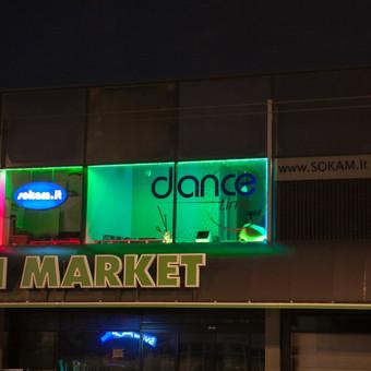 Dance Time šokių studijos fasado apšvietimas