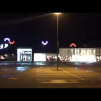 Prekybos centro RYO proginis apšvietimas