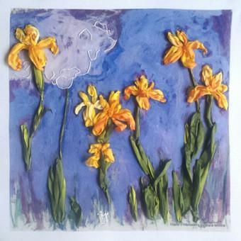 Dovanu idejos gimtadienio proga.  Irisai. Ant printo siuvinetas juostelemis remintas paveikslas pagal Klodo Mone reprodukcija. Ranku siuvinejimas juostelemis. Tikslus siuvinėjimo ir jo tonavimo pakartojimas yra neįmanomas, kiekvienas išsiuvinėtas paveikslas yra vienintelis.