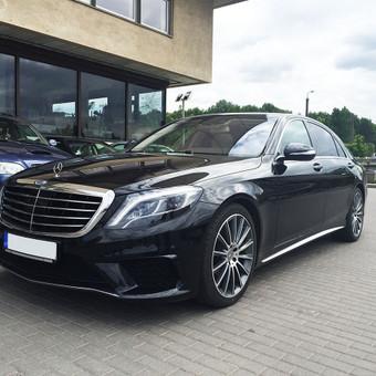 W222 Mercedes-Benz S-klasė nuoma su vairuotoju. Prabangių automobilių nuoma.