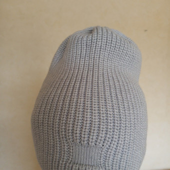Kepurė švedišku mezgimu, vilna su kašmyru pilka spalva