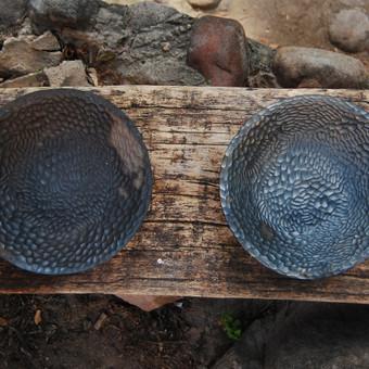 Juodosios keramikos lėkštės