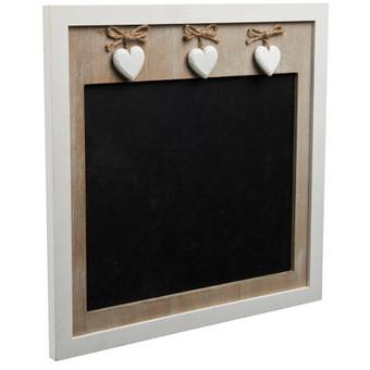 Medinė skelbimų lenta su širdutėsm. Lentos matmenys 36x36cm, juodo ploto matmenys 24x28cm, nuomos kaina - 3€