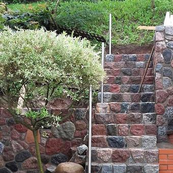Skaldyto akmens laiptai Aleksotas