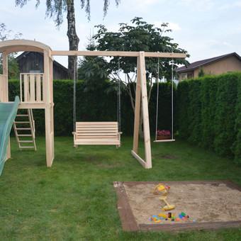 Siūpynės, vaikų žaidimo aikštelės, įvairios komplektakcijos, pagal klijanto poreikius.